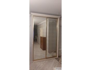 Зеркальный шкаф-купе классика