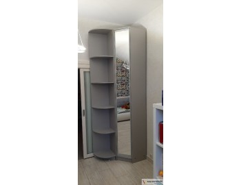 Угловой шкаф с интересным дизайном