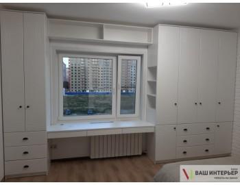 Распашные шкафы в спальню