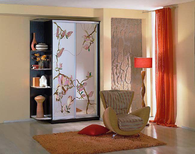 Шкаф-купе с пескоструйным рисунком цветы