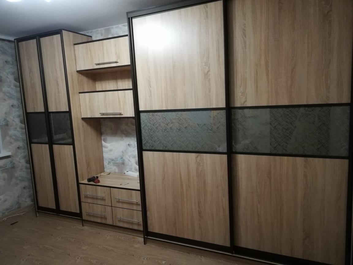 Гостиная со шкафом-купе