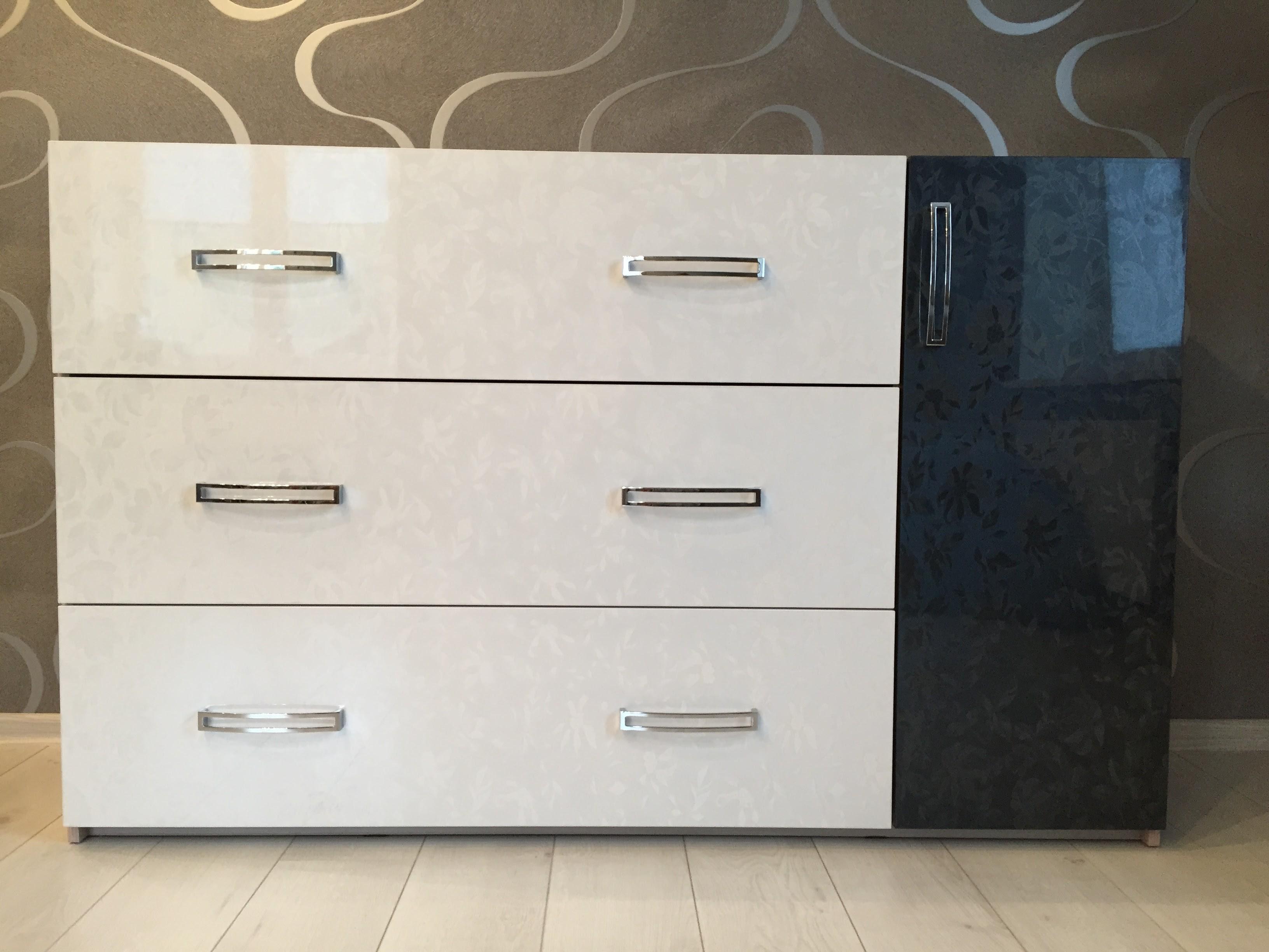 Комод (3 ящика +1 дверь)