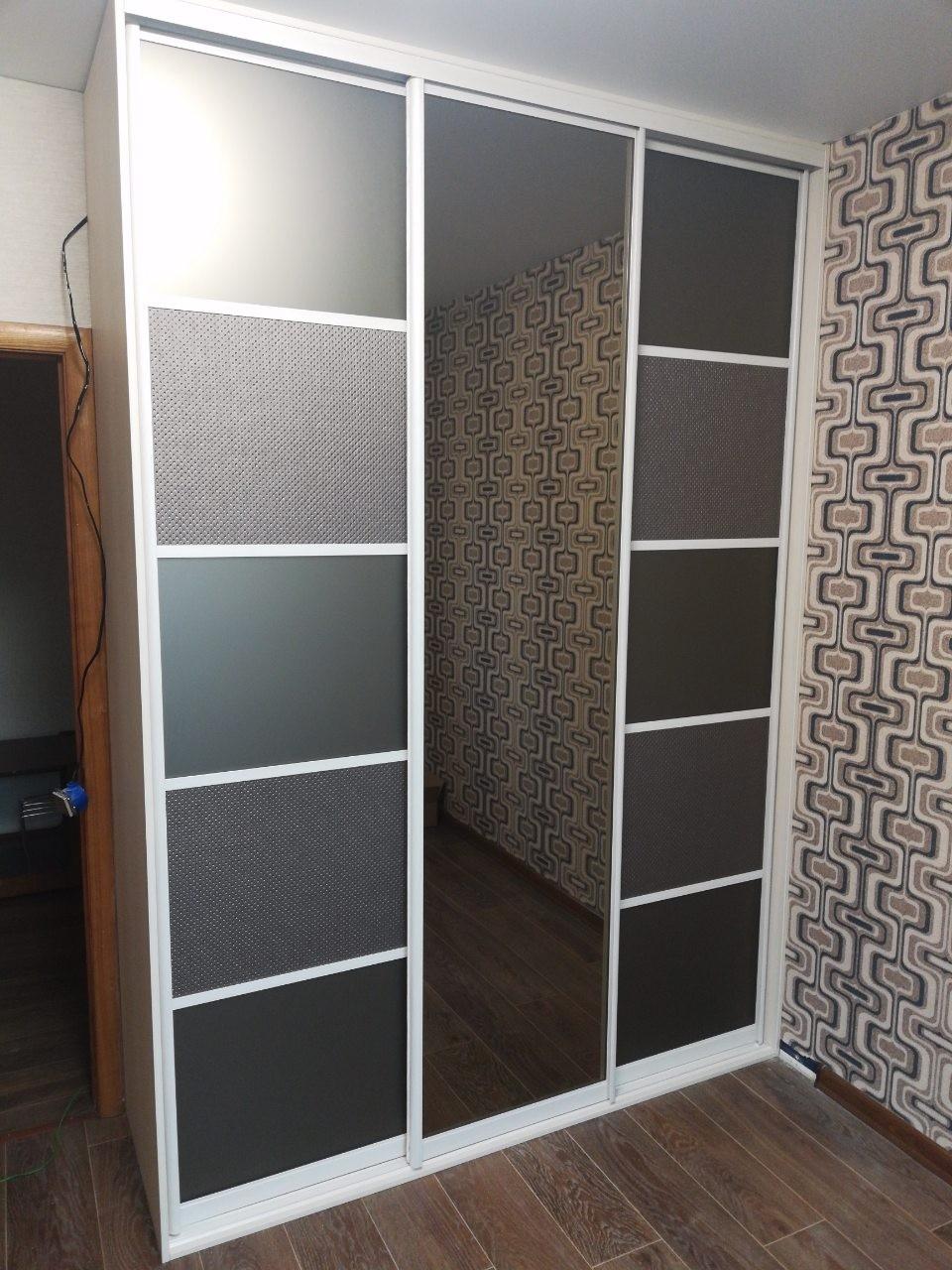 Шкаф-купе со вставками