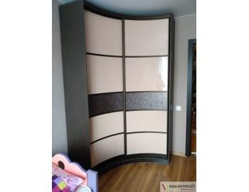 Радиусный шкаф-купе комбинированные двери