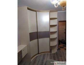 Радиусный шкаф с угловым завершением