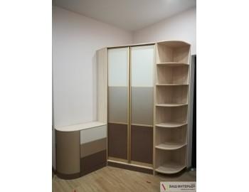 Радиусный шкаф с комодом