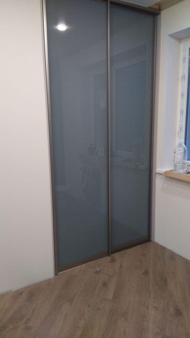 Встроенный шкаф-купе стекло лакобель