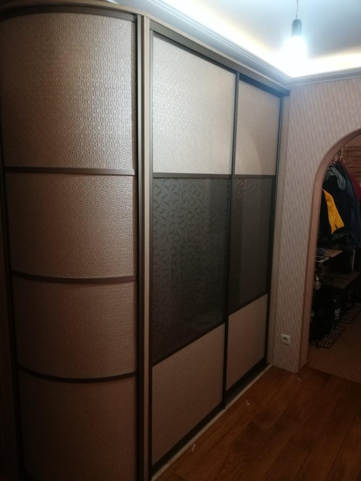Шкаф-купе с радиусным завершением